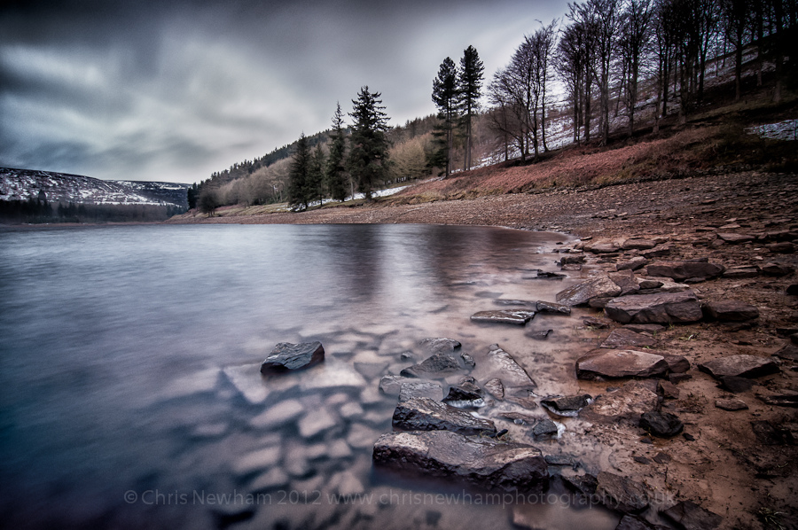 a-cold-morning-at-ladybower-resevoir