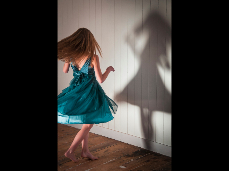 Theme - dancing-with-my-shadow-by-lois-webb