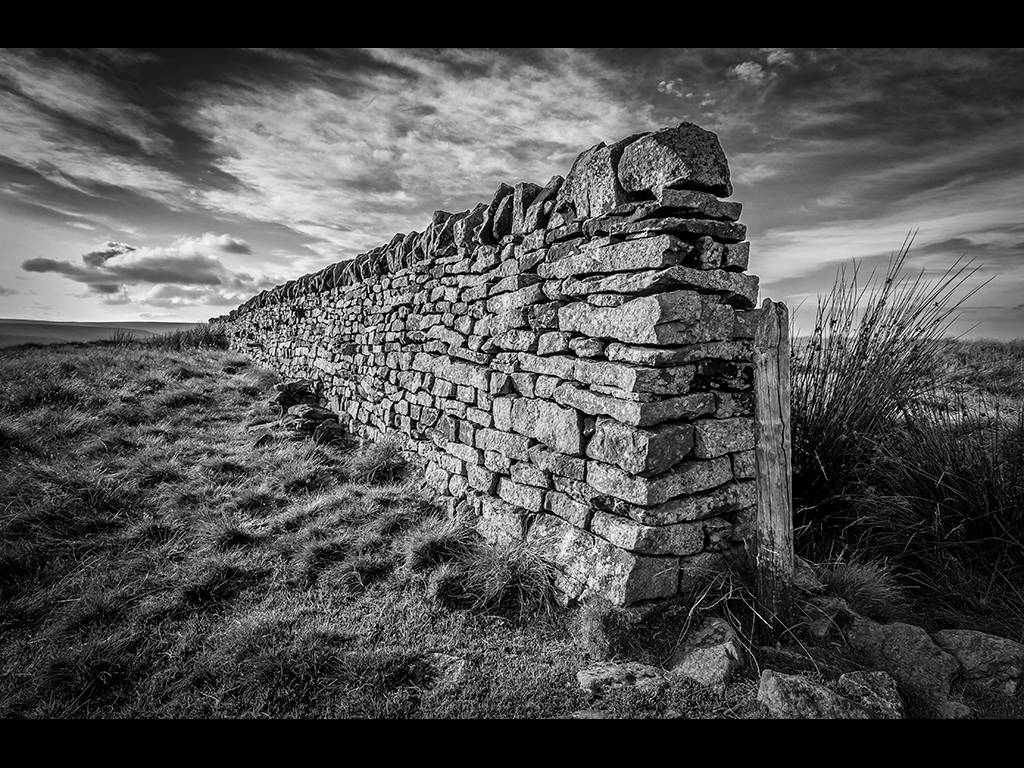 The end of the wall BW
