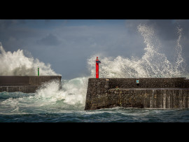 CHOPPY ENTRANCE By Lester Woodward